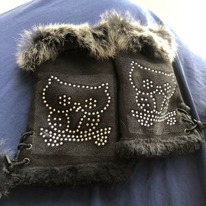 Genuine fur typing gloves with funky owls